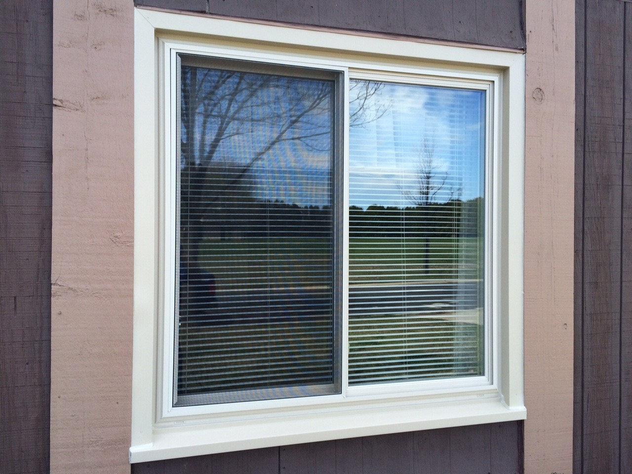 Replacement window gallery milwaukee window company for Home window replacement